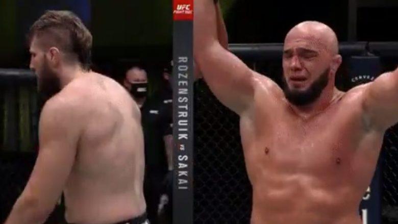 Ilir Latifi rikthehet me fitore në UFC, mposht Boserin në një meç shumë të luftuar